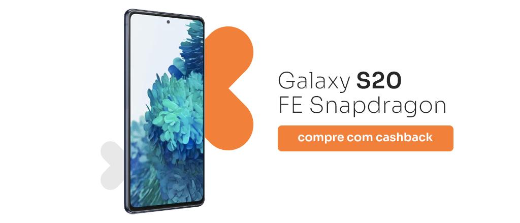 celular em pé com visor virado para frente e fundo de tela de flores. Frase: Galaxy S20 FE Snapdragon compre com cashback.